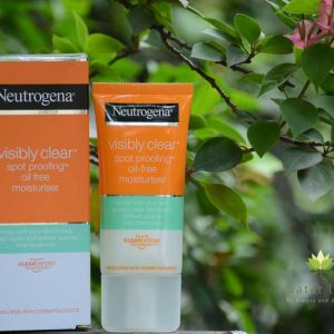 Neutrogena Visibly Clear Spot Proofing Oil Free Moisturizer